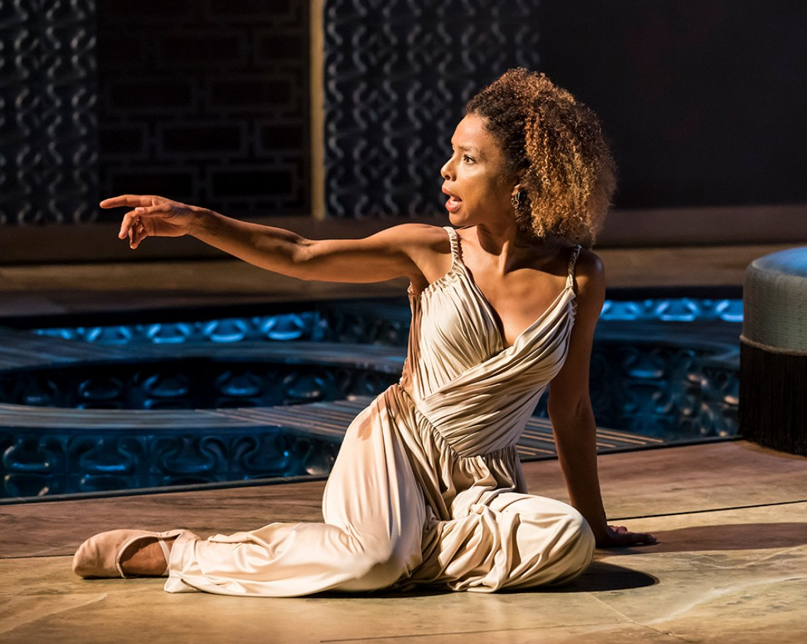 NT Live - Antony & Cleopatra (As Live 12A): 1 of 8